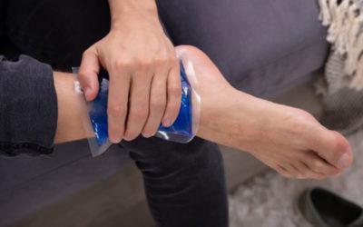 ¿Cómo aplicar el hielo tras un esguince de tobillo?